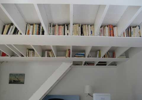 оригинальные  книжные полки